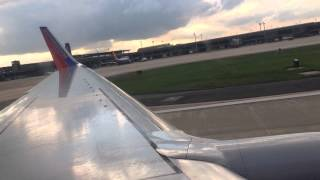 Southwest Airlines Boeing 737-700 departing New Orleans! (HD)