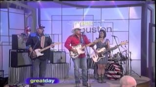 Lone Star Drifters with Mickey Gilley - Looking for Love Live on Great Day Houston with Debra Duncan