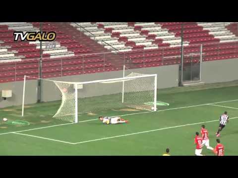 26/08/2014 Atlético vence o Internacional de virada e está na semifinal da Taça BH