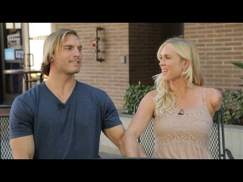 'Soul Surfer' Bethany Hamilton and Hubby Preview 'Amazing Race'