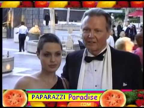 ANGELINA JOLIE & dad JON VOIGHT attend opera