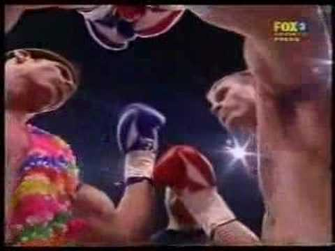 Muay Thai Grudge fight Mckinnon vs Carnage rd1