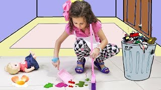 VALENTINA helps Mommy! Kids Pretend Play with Cleaning Toys!