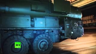 Колонна ракетных комплексов «Ярс» проехала по ночной Москве