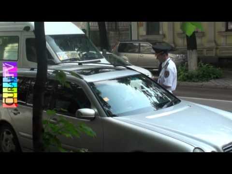 Politiști – sperietori pe strada București