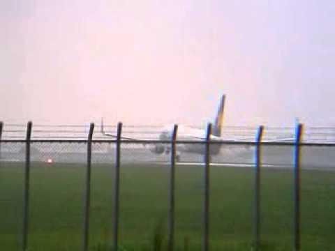 SKYMARK AIRLINES★B737-800[JA73NX]BC850 /Frm→OKA 成田空港16L Landing!