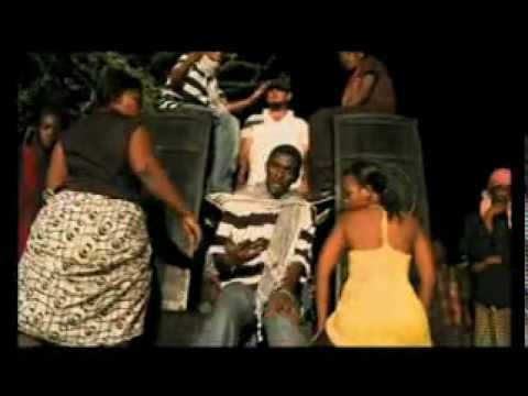 Offside Trick Feat Mzee Yusuf - Bata video
