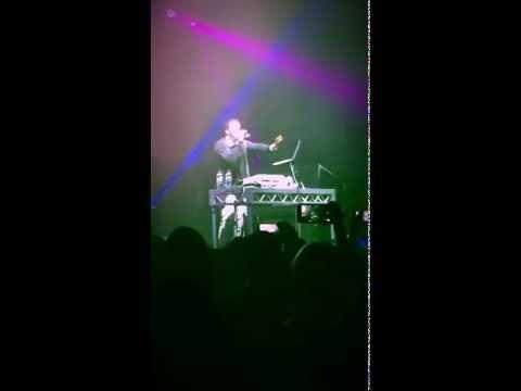 Craig David - Walking Away (Live Remix) TS5 tour Perth 2015