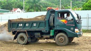 Máy xúc HYUNDAI múc cát lên xe ô tô tải ben Cửu Long | minhnhat tv2