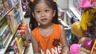 Baby Supermarket ❤ Thao Anh go to supermarket to buy toys