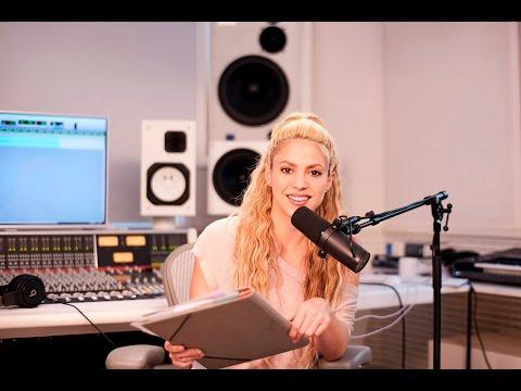 "Shakira introduces Juan Luis Guerra's ""Las Avispas"" [CLIP]"