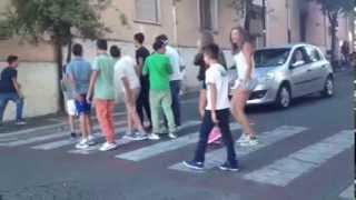 Matti per strada