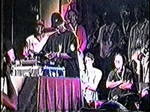 Mixmaster Mike vs. DJ 8-Ball - NMS 1993 DJ Battle