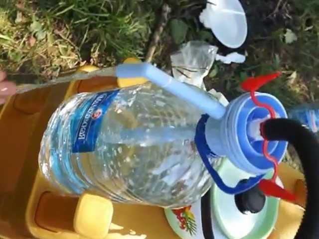 Сделать водяной насос из пластиковой бутылки своими руками
