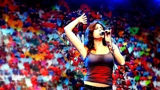 Hot Arab Woman singing Cute Song