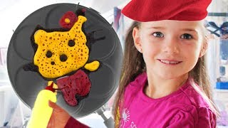 BRO vs. SIS Pancake Art Challenge - Lulu & Leon - Family and Fun