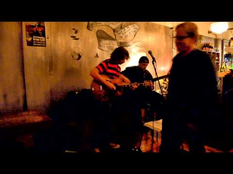 2Five9 Trio @ Verona Cafe - A Change Is Gonna Come feat Caitlin Smith