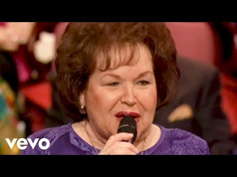 Bill & Gloria Gaither - Going Up [live] Ft. The Lewis Family video