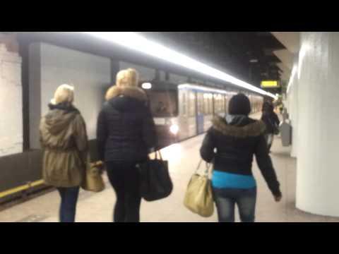 GVB Amsterdam M3 Metro 54 vanuit Nieuwmarkt naar Centraal Station