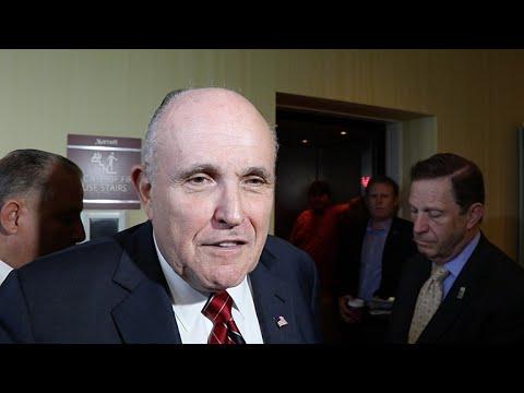 "Rudy Giuliani Calls Chicago A ""Shooting Gallery,"" Talks Rahm Emanuel, Ted Cruz"