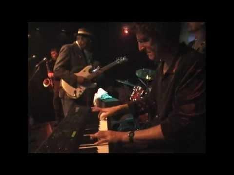 Hubert Sumlin at Chicago Blues, NY 2000 Part 1