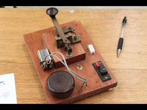 Morse code communication in action - The Morsecodians Fraternity, Classic Machinery