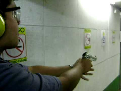 Treinamento pistolas calibre .380 e .40 Video