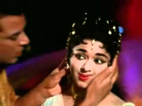 Aap Ke Paas Jo Aayega Pighal Jaayega - Kaajal - Mahendra Kapoor...