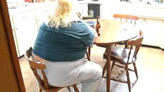 Bbw Cynthia Kitchen Table