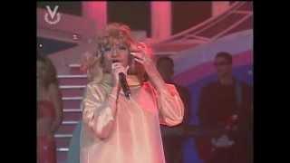 download musica Celia Cruz - La vida es un carnaval