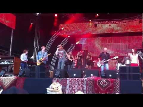 Sympathy for the devil&quot;, Zang Andrew Elt - ZomerParkFeest Ouverture 2012.