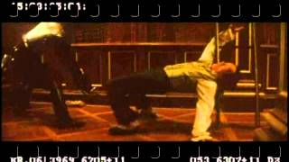Jackie Chan Fight Scene 1 Shanghai Knights (english)
