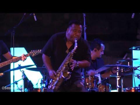 Glenn Fredly & Bakuucakar - Cukup Sudah @ Prambanan Jazz 2017 [HD]