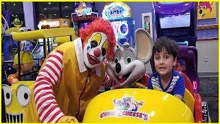 Ronald McDonald IN CHUCK E CHEESE | chuck e cheese happy dance