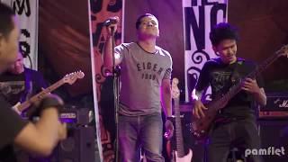 Indonesia Baru - Fantasi (Live By PAMFLET Band)
