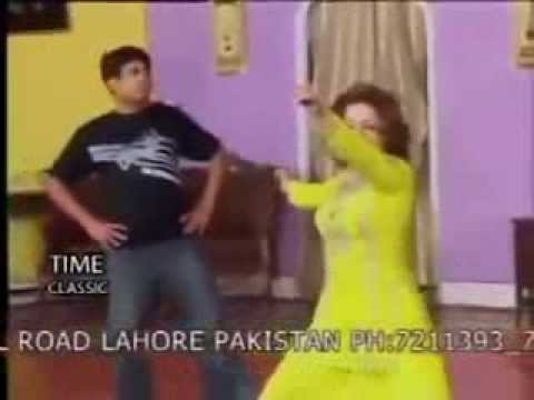 Hot Mujra By Pakistani Girl video