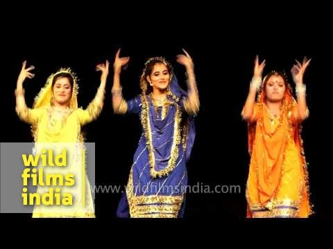 Dogri dance by Kashmiri dancers in Delhi
