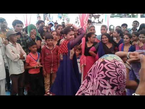 kinjal dave dance