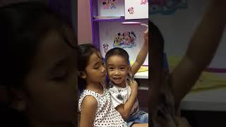 Dạy bé vẽ dạy bé học tiếng Anh tại nhà