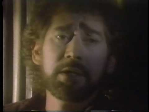 Earl Thomas Conley-Crowd Around The Corner