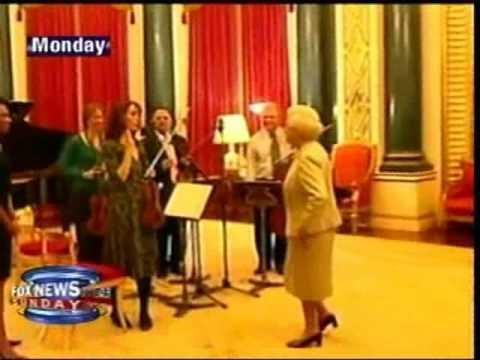 Condoleezza Rice Plays Piano For Queen Elizabeth II