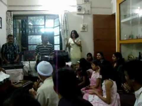 JAI JAI JAI GANANAYAKA - Art of Living Ganesh bhajsn sung by...