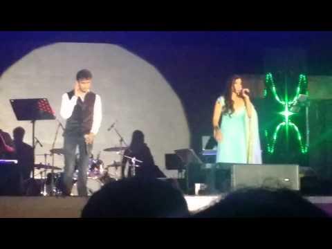 Manwa Laage - Shreya Ghoshal (live In Qatar) video
