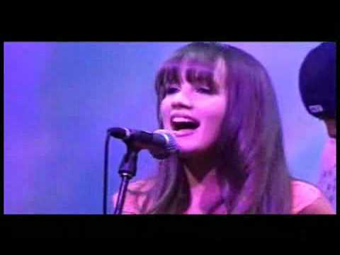 Samantha Jade Breath LIVE CES Show Las Vegas 2005