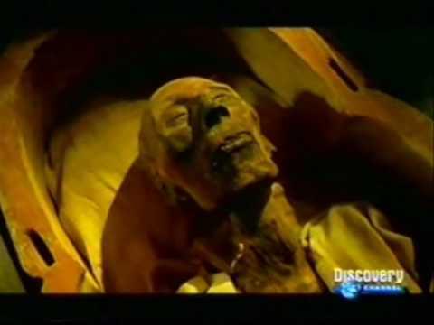 especialistas tentam desvendar como era realizado o processo de mumificação no antigo egito.