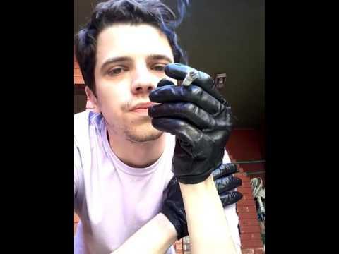 Leather gloves & marlboro red