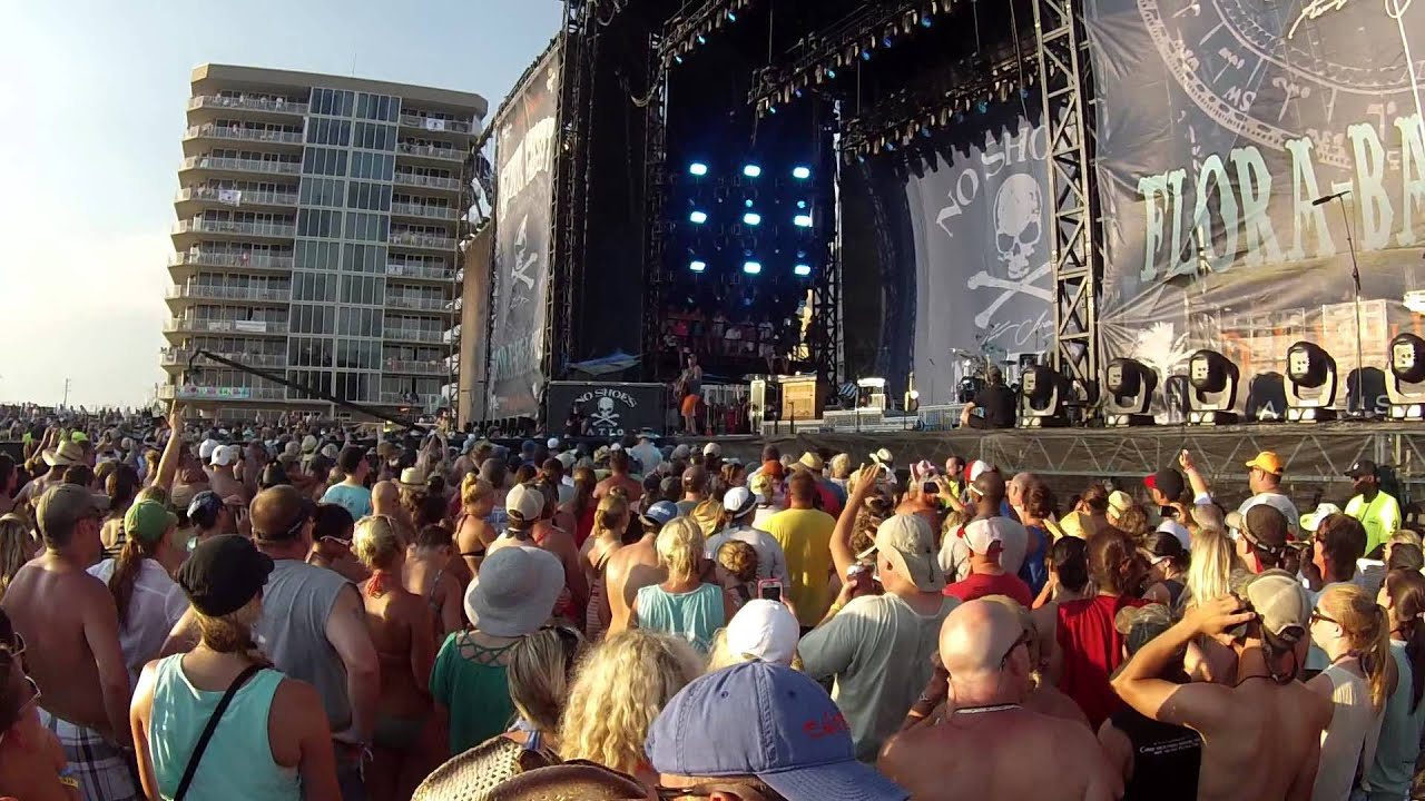 Kenny chesney old blue chair - Kenny Chesney Blue Rocking Chair Live Florabama Jama Youtube