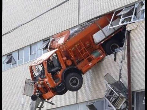 Ini akibat jika supir truk ugal ugalan #1