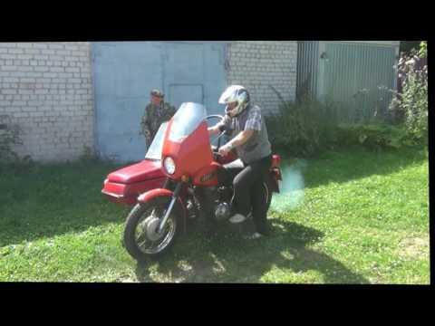 Мотоцикл Иж Планета 5 не заводился, и дымился, но завёлся и поехал