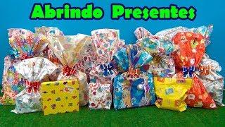 ABRINDO BRINQUEDOS E SURPRESAS ! UAU ! Quanto brinquedo legal !!! #tiaCris #BrinquedoseSurpresas
